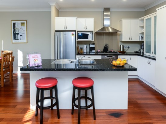 33 Heynes Place, Clive, Hastings - NZL (photo 4)