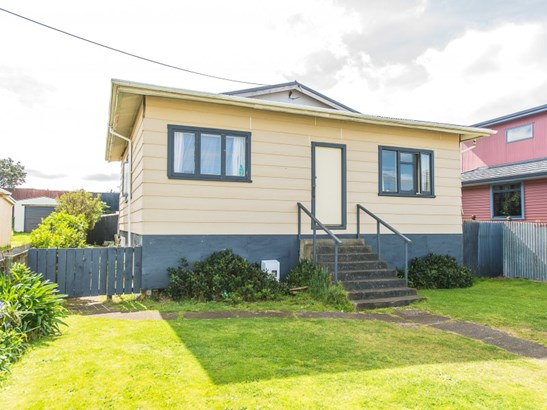 16 Aotea Street, Castlecliff, Whanganui - NZL (photo 1)