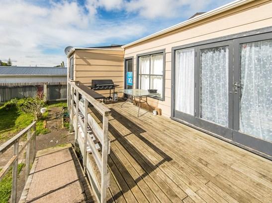 16 Aotea Street, Castlecliff, Whanganui - NZL (photo 5)