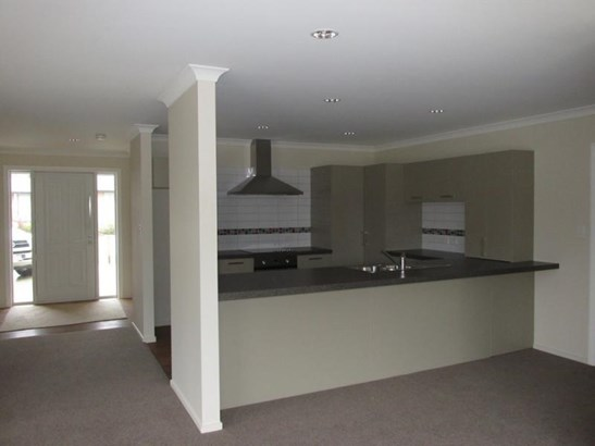 7 Wicken Place, Reefton, Buller - NZL (photo 4)