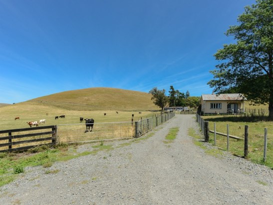 354 Valley Road, Raukawa, Hastings - NZL (photo 2)