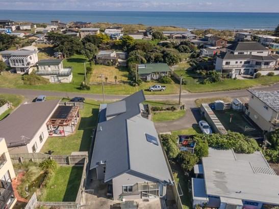 21 Nelson Street, Foxton Beach, Horowhenua - NZL (photo 2)