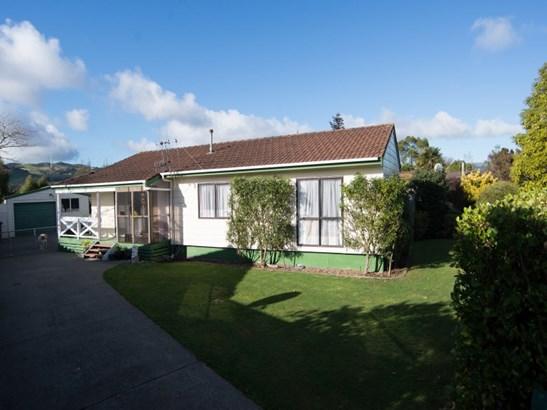 268 Cambridge Avenue, Ashhurst - NZL (photo 2)