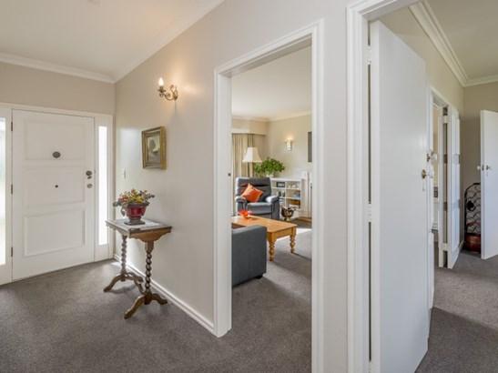 2 Oriel Place, Levin, Horowhenua - NZL (photo 2)