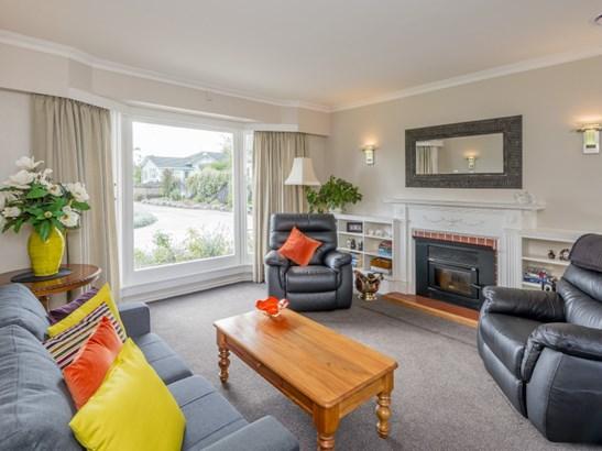2 Oriel Place, Levin, Horowhenua - NZL (photo 3)