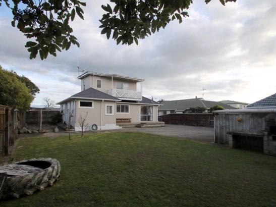 166 Queen Street, Levin, Horowhenua - NZL (photo 2)