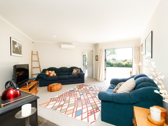 39 County Heights Drive, Aokautere, Palmerston North - NZL (photo 3)