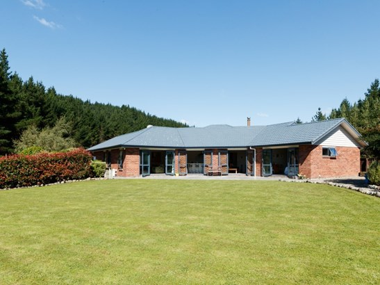 39 County Heights Drive, Aokautere, Palmerston North - NZL (photo 4)