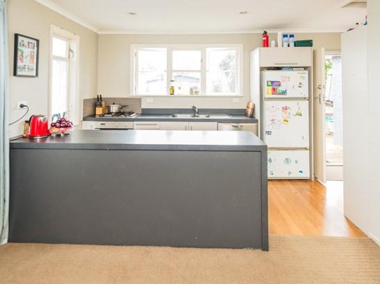 19 Selwyn Crescent, College Estate, Whanganui - NZL (photo 3)