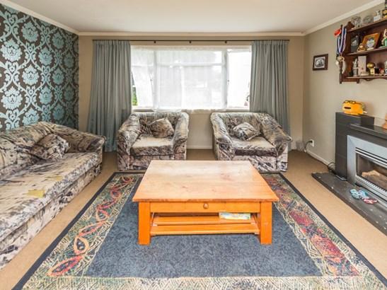 19 Selwyn Crescent, College Estate, Whanganui - NZL (photo 5)
