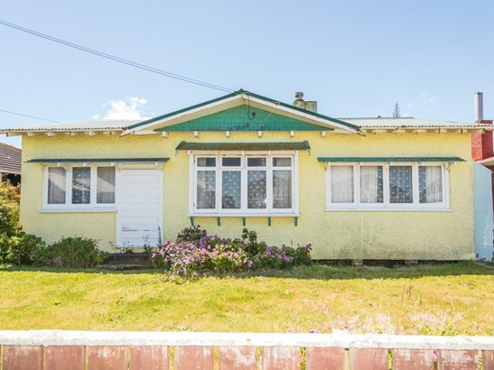 82 Matai Street, Castlecliff, Whanganui - NZL (photo 1)