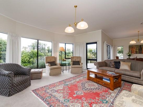 121 Summerhill Drive, Fitzherbert, Palmerston North - NZL (photo 5)
