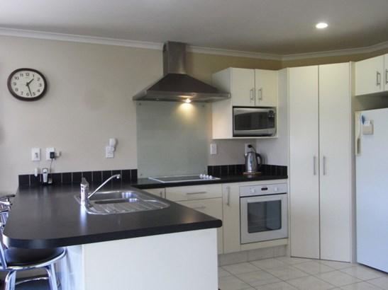 4 Newbury Place, Taradale, Napier - NZL (photo 2)