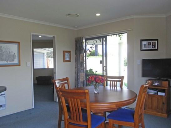 4 Newbury Place, Taradale, Napier - NZL (photo 3)