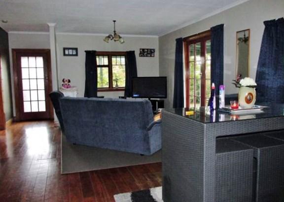11 Sinnamon Street, Reefton, Buller - NZL (photo 2)