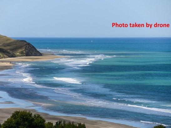 62c Pourerere Road, Pourerere Beach, Omakere - NZL (photo 4)
