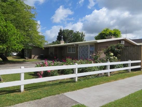 2 Russell Avenue, Te Aroha, Matamata-piako - NZL (photo 2)