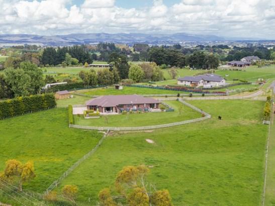 11 Simpson Lane, Kelvin Grove, Palmerston North - NZL (photo 4)