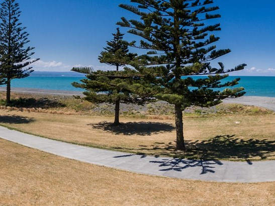5 Charles Street, Westshore, Napier - NZL (photo 2)