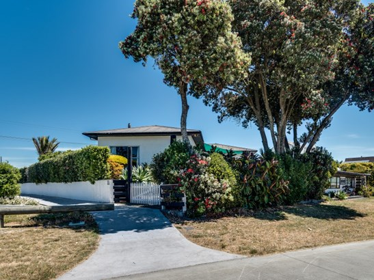 5 Charles Street, Westshore, Napier - NZL (photo 4)