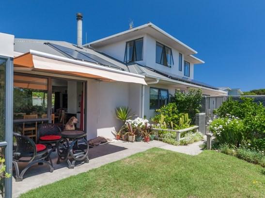 6 Kawana Grove, Himatangi Beach, Manawatu - NZL (photo 4)