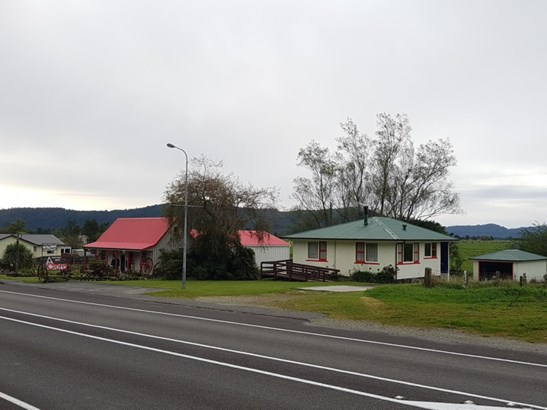 18 Main Road, Harihari, Westland - NZL (photo 2)