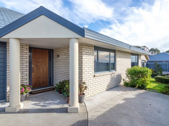 114 Ruapehu Drive, Fitzherbert, Palmerston North - NZL (photo 2)