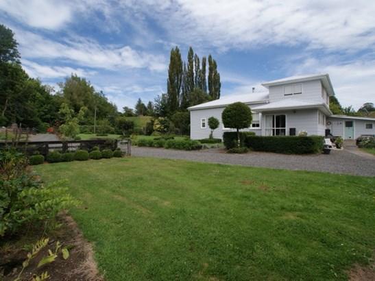 714 Makokomiko Road, Taumarunui, Ruapehu - NZL (photo 2)