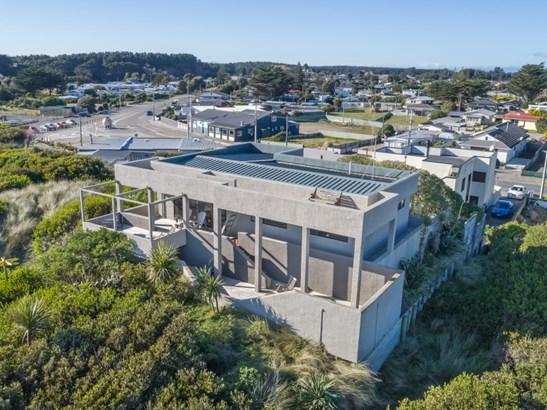 6b Hunia Terrace, Himatangi Beach, Manawatu - NZL (photo 1)
