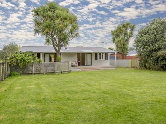36 Sarah Street, Waikawa Beach, Horowhenua - NZL (photo 1)
