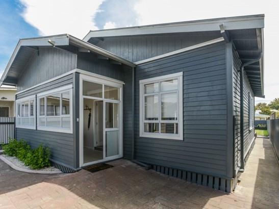 77 Mcgrath Street, Napier South, Napier - NZL (photo 2)