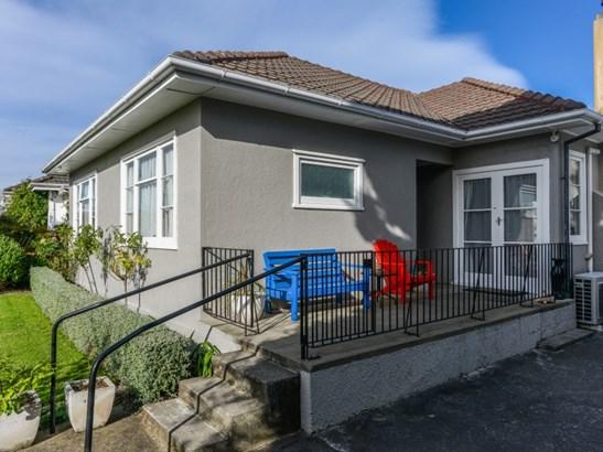 211 Mayfair Avenue, Mayfair, Hastings - NZL (photo 5)