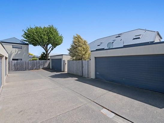 2/337 Selwyn Street, Addington, Christchurch - NZL (photo 2)