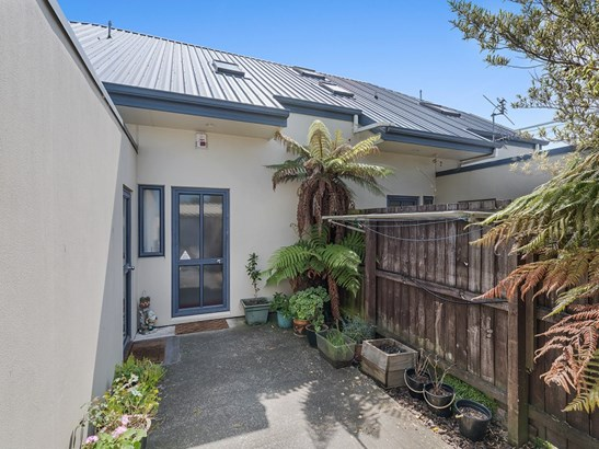 2/337 Selwyn Street, Addington, Christchurch - NZL (photo 3)