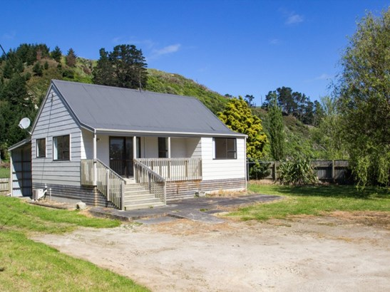 155a Waitotara Valley Road, Waitotara, South Taranaki - NZL (photo 2)