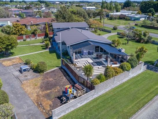 68 Cook Street, Foxton, Horowhenua - NZL (photo 3)