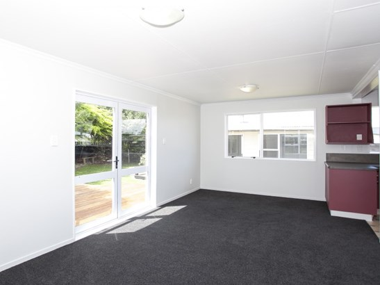 32 Cumberland Place, Kelvin Grove, Palmerston North - NZL (photo 5)