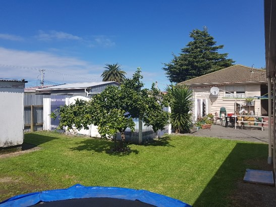 6 Venables Avenue, Onekawa, Napier - NZL (photo 2)