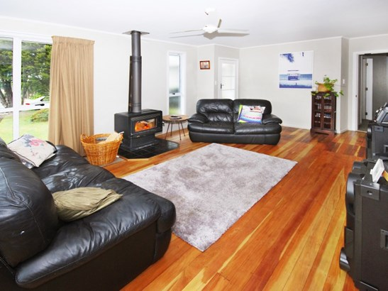 81 Watt Street, Featherston, South Wairarapa - NZL (photo 2)