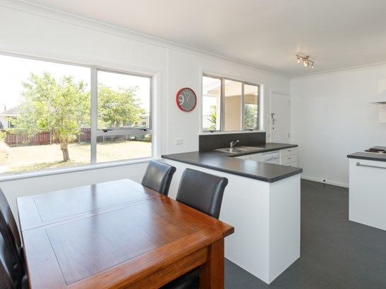 46 Wood Street, Takaro, Palmerston North - NZL (photo 2)