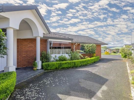 5 Aitchison Place, Levin, Horowhenua - NZL (photo 2)