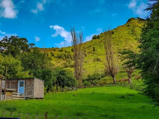 - Waitotara Valley Road, Waverley, South Taranaki - NZL (photo 3)