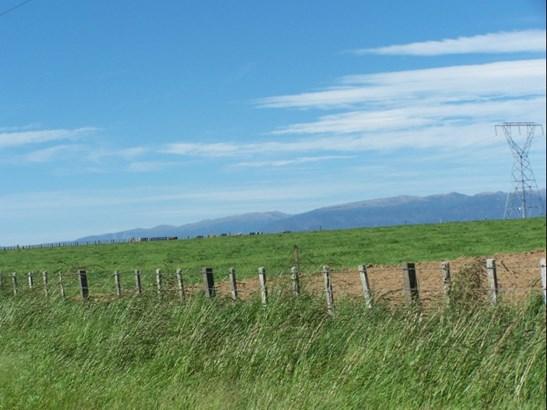 2732 Kimbolton Road, Feilding - NZL (photo 2)