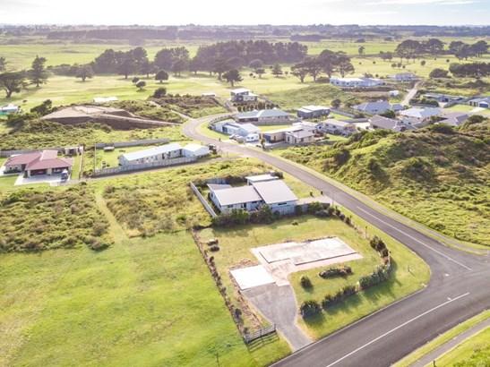 1 Golf Vue Place, Castlecliff, Whanganui - NZL (photo 3)