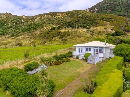 865 Mataikona Road, Mataikona, Masterton - NZL (photo 1)