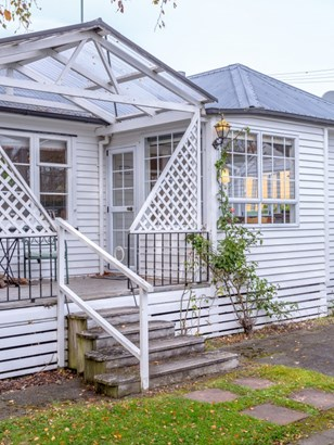 2 Kuratawhiti Street, Greytown, South Wairarapa - NZL (photo 2)