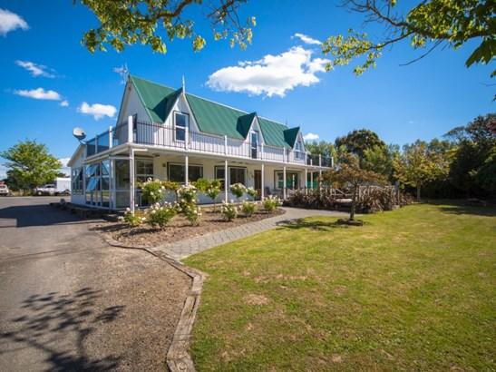 158 Hendersons Line, Kelvin Grove, Palmerston North - NZL (photo 2)