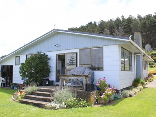 67 Akitio Esplanade, Akitio, Tararua - NZL (photo 3)