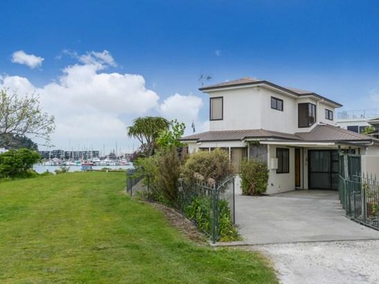 12a Whakarire Avenue, Westshore, Napier - NZL (photo 2)