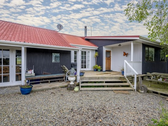 103 Waikawa Beach Road, Manakau, Horowhenua - NZL (photo 4)